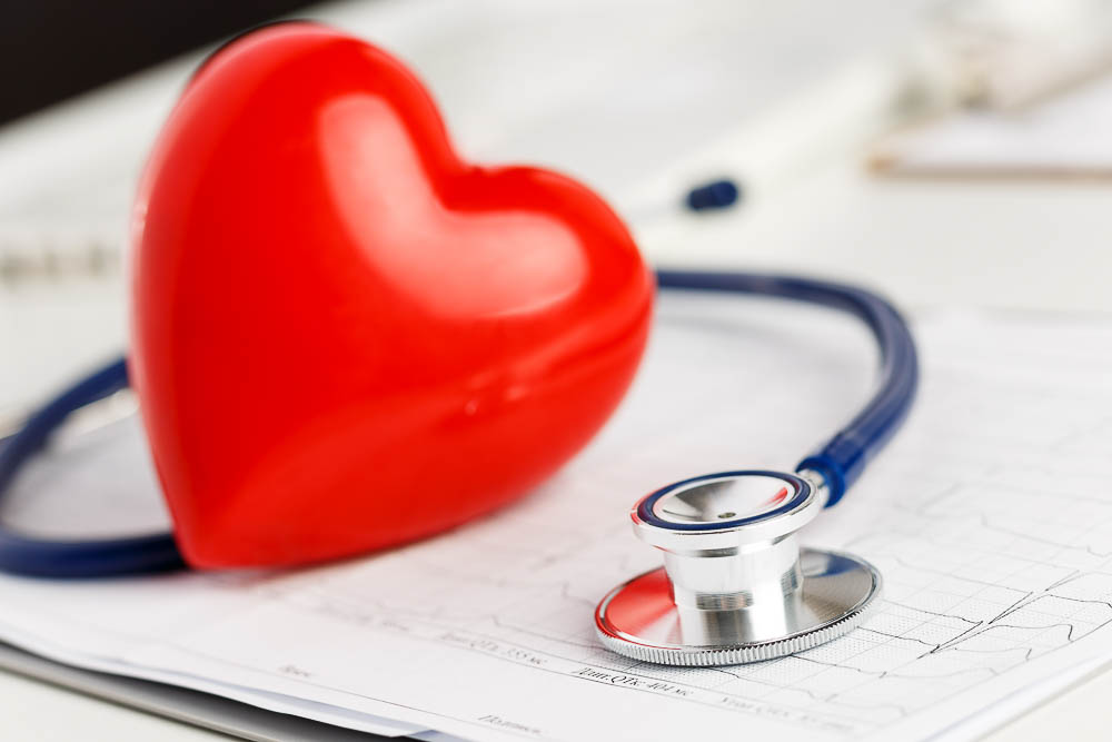 picture of a healthy heart with a stethascope